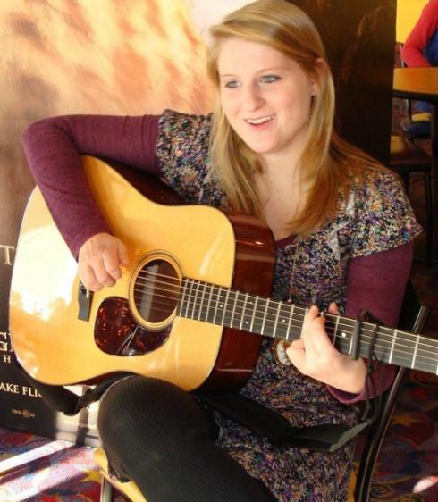 Meghan-Trainor-Guitar
